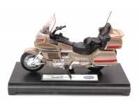WELLY 1/18 HONDA GOLDWING MODELLINO