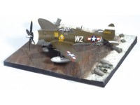 DRAGON MODELLINO MONTATO AEREO P-47 D 84FS 78FG WITH AIRFIELD BASE 1/72 IN METALLO