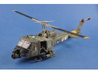 MODELLINO ELICOTTERO UH-1 HUEY B 501ST AVIATION BATTALION FIREBIRDS MONTATO MERIT