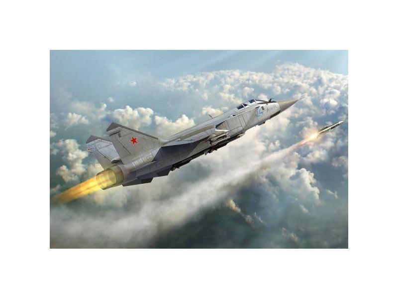MODELLINO RUSSIAN MIG-31 FOXHOUND AEREO IN KIT DI MONTAGGIO HOBBY BOSS