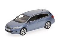MODELLINO OPEL ASTRA SPORTS TOURER 2010 LIGHT BLUE METALLIC IN METALLO MINICHAMPS