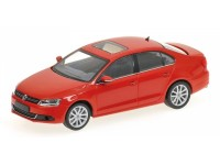 MODELLINO VOLKSWAGEN JETTA 2010 RED IN METALLO MINICHAMPS