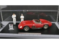 MODEL BUNDLE MASERATI 300S DIRTY VERSION INCLUDING ENGINE 2 STICKERS IN METAL SHOWCASE CMC