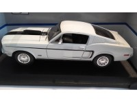 Maisto Modellino Ford Mustang GT Cobra Jet 1968 Bianca