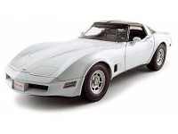 Welly 1/18 Chevrolet Corvette Coupe 1982 bianca modellino