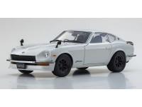 Kyosho 1/18 Nissan Fairlady Z-L S30 bianco perla modellino